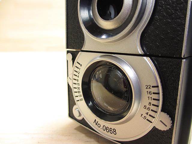カメラの形をした鉛筆削り(HM201)