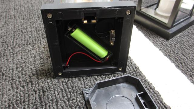 ソーラーランタン 電池